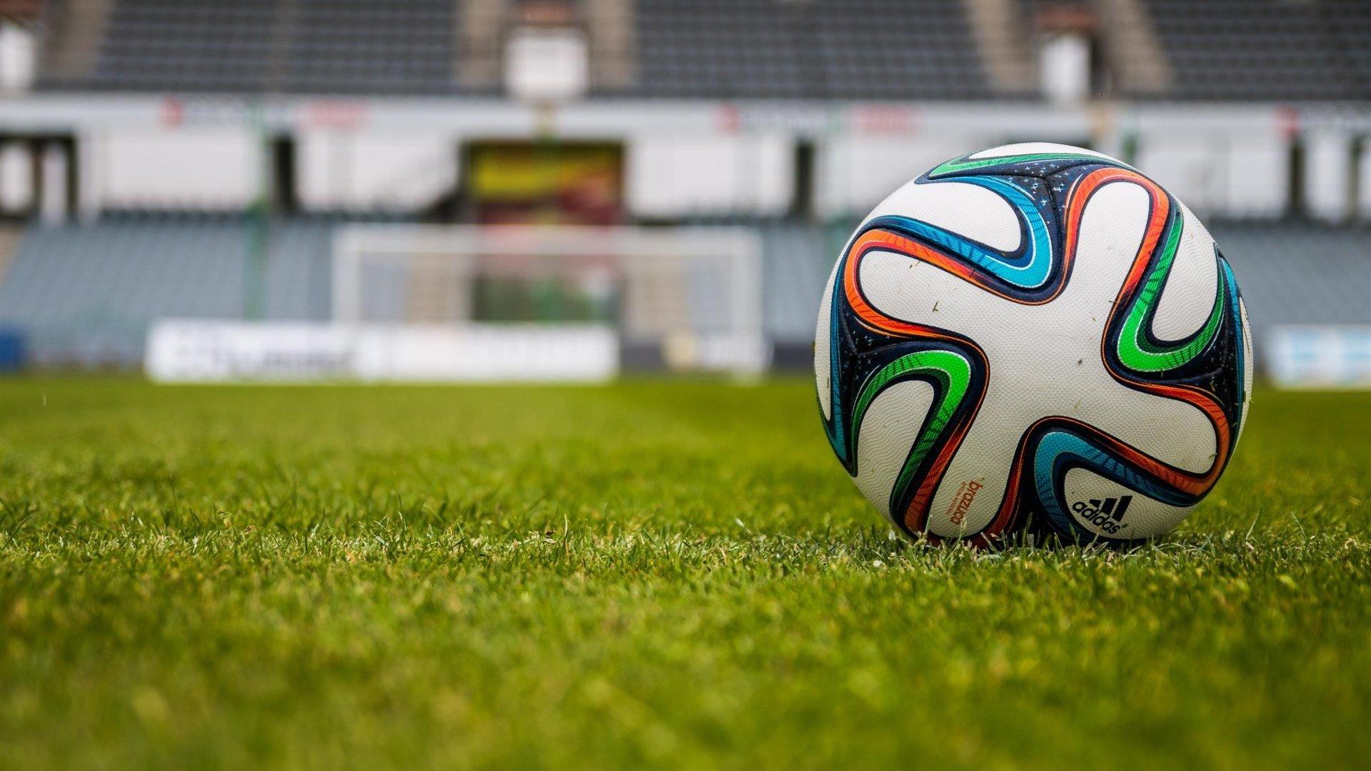 كرة القدم أصل ها وف صل ها توعية