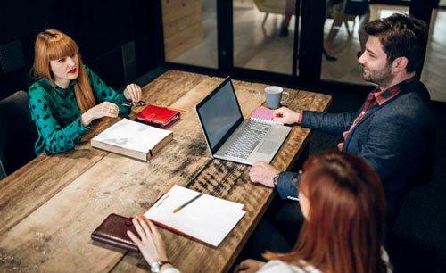 نظم نفسك خلال مقابلة العمل