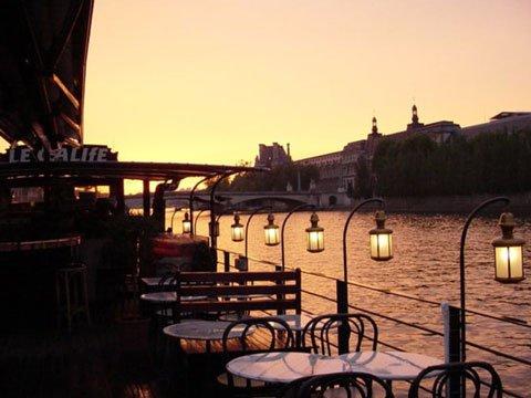 أحد مطاعم العاصمة الفرنسية باريس