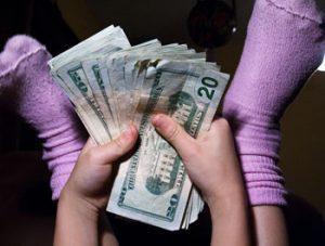 الاطفال-والمال