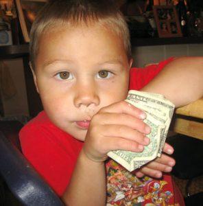 تعليم-الأطفال-عن-المال-