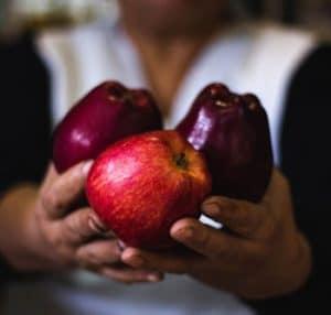 تفاح-احمر-