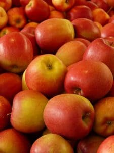 تفاح-احمر